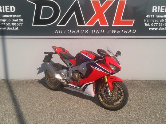 Honda CBR 1000 RR Fireblade SP bei Daxl – Autohaus und Zweirad in Oberösterreich in Ihre Fahrzeugfamilie