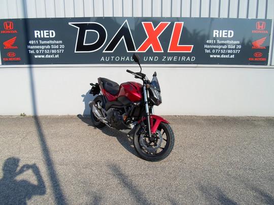 Honda NC 750 S DCT ABS bei Daxl – Autohaus und Zweirad in Oberösterreich in Ihre Fahrzeugfamilie