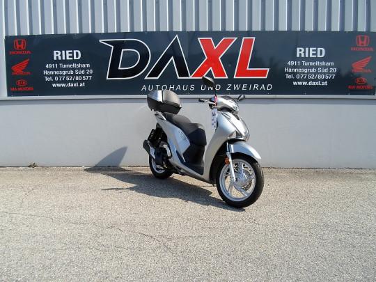 Honda SH 125i ABS bei Daxl – Autohaus und Zweirad in Oberösterreich in Ihre Fahrzeugfamilie