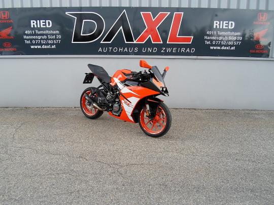 KTM RC 125 ABS bei BM || Daxl Bikes in